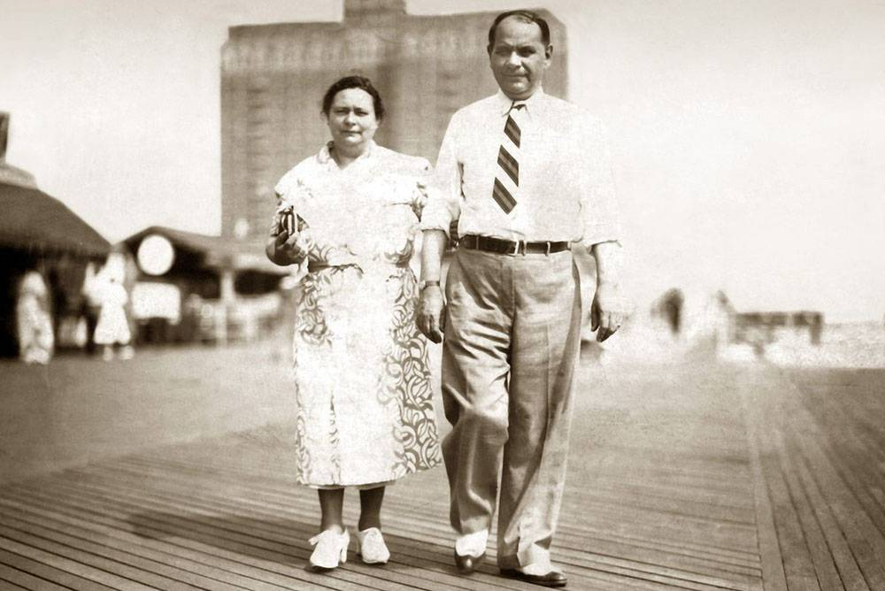 Louis Isadore & Mary Paull, Atlantic City, c. 1937
